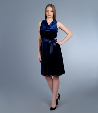 Elastic velvet dress with cord