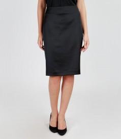 Elegant elastic satin skirt