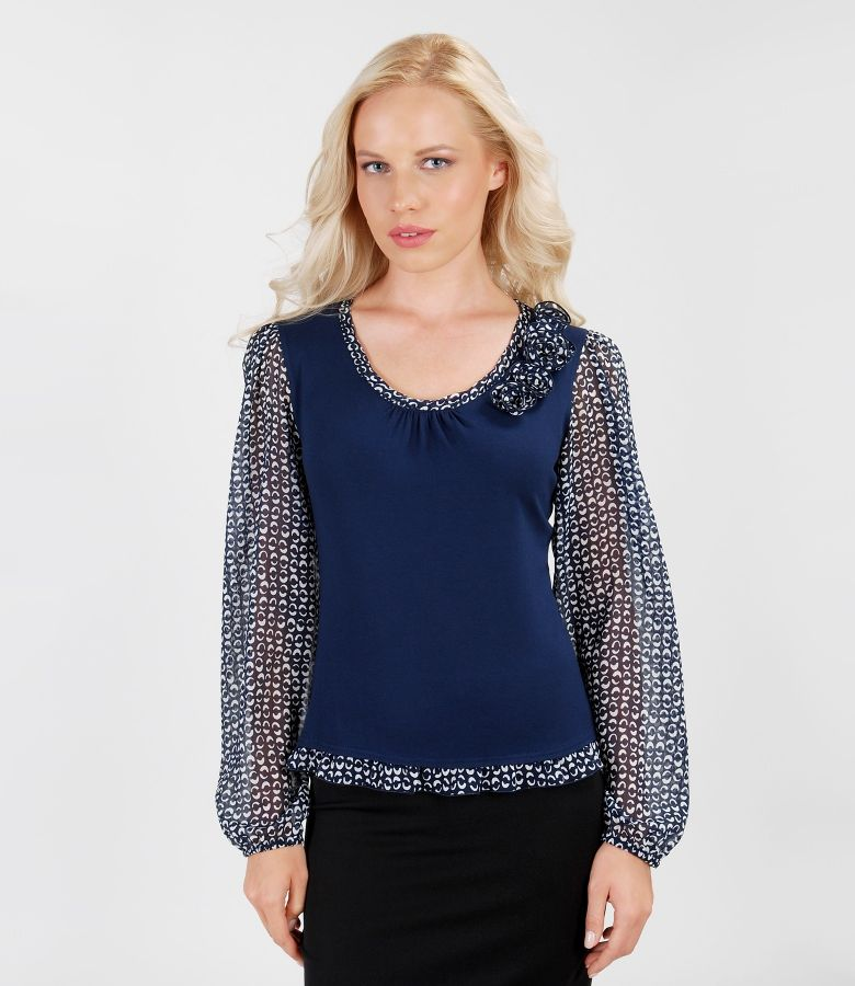 T-shirt with trim and print veil sleeves