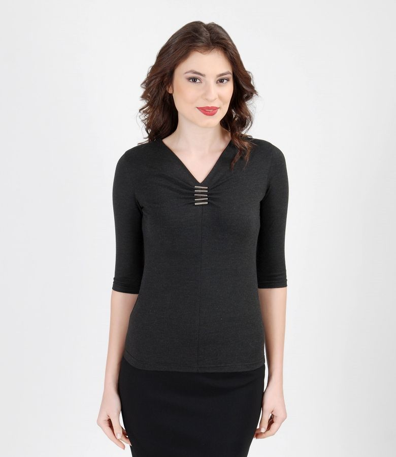 Elastic jersey t-shirt with accessory