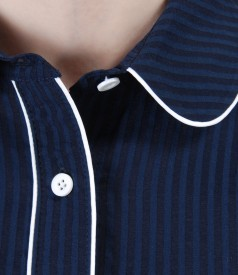 Shirt with elastic cotton and rounded collar