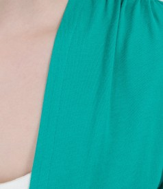 Green jersey blouse tied with cord