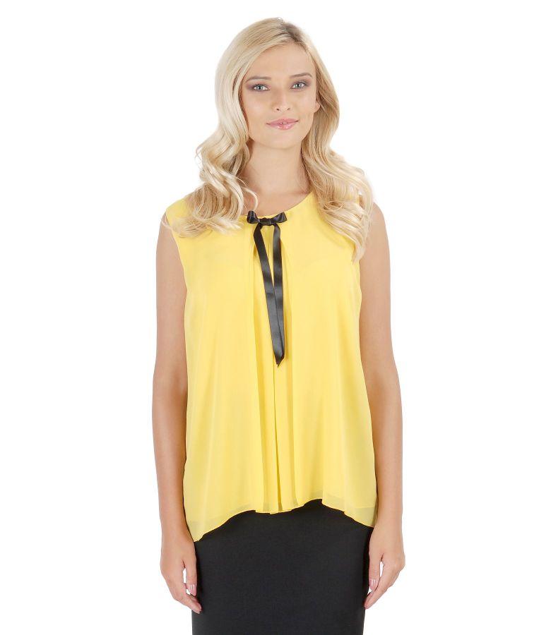 Veil blouse with folds