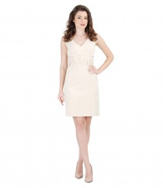 Short evening dress with lace lining