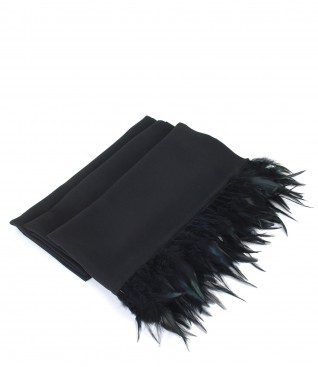 Veil scarf with feathers trim
