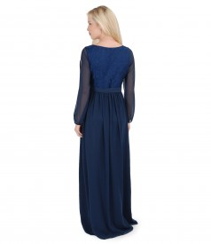Long evening dress with elastic brocade and veil