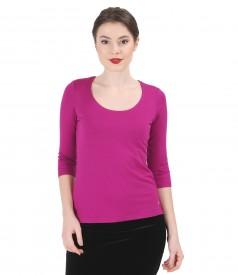 Jersey t-shirt with deep neckline