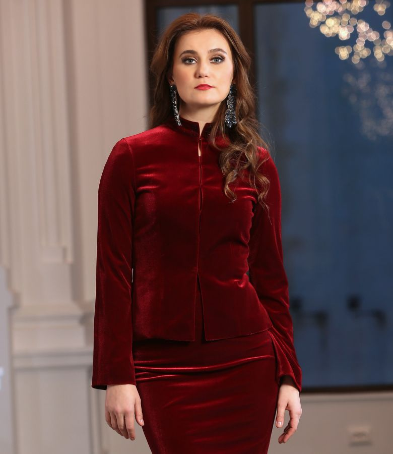 Elegant elastic velvet jacket with crystals inserts