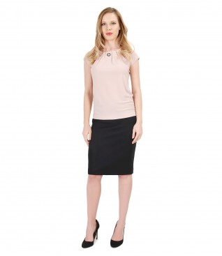 Casual outfit with t-shirt with crystal inserts and skirt