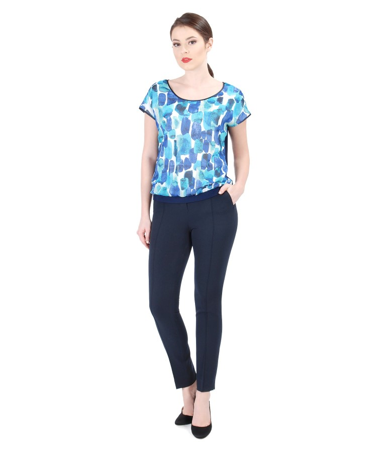 Outfit with printed elastic jersey blouse with pants
