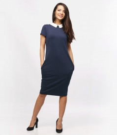 Elastic knitwear dress with collar and pockets