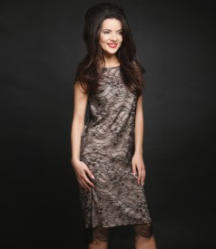 Lace dress with short sleeves