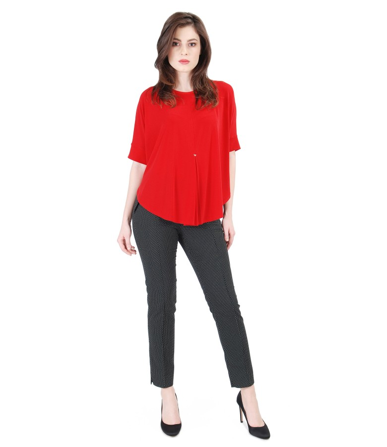 Casual outfit with elastic jersey butterfly blouse and pants