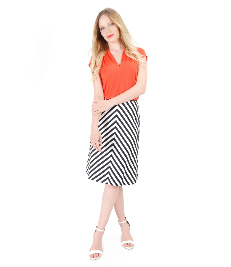 Elastic cotton with stripes skirt with uni jersey blouse
