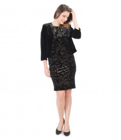 Elegant outfit with elastic velvet dress
