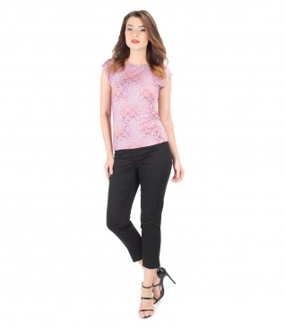 Casual outfit with printed jersey blouse and pants