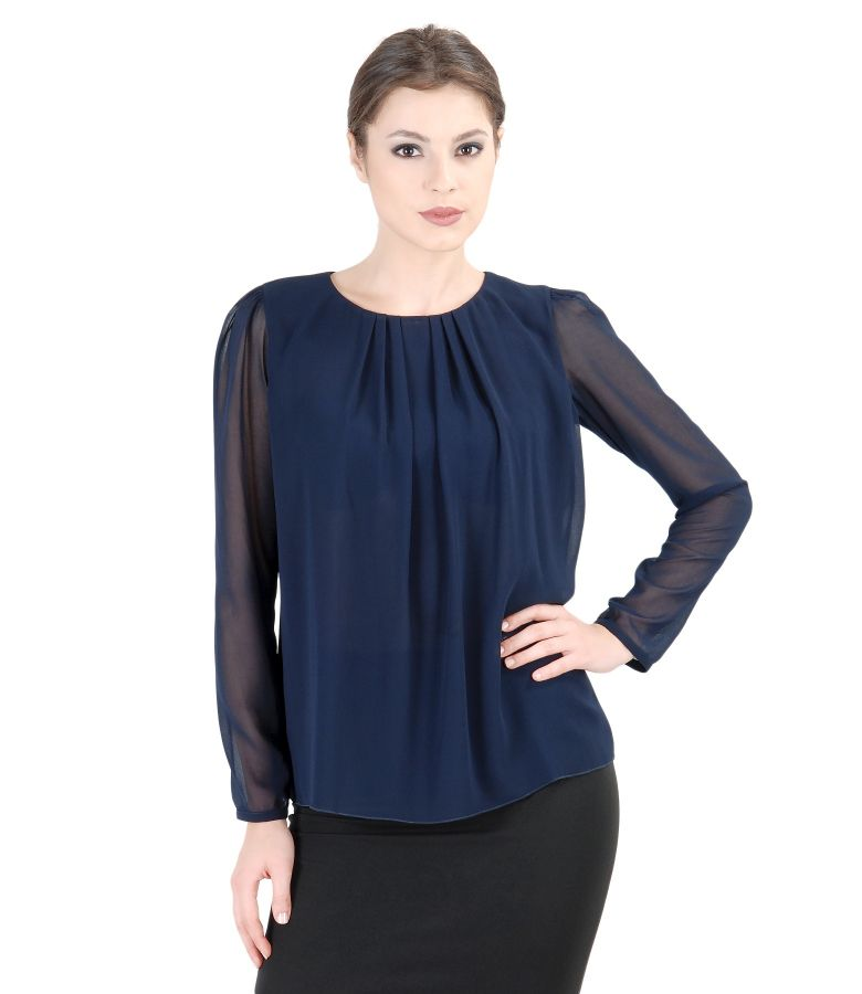 Veil blouse with folds on front