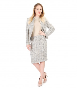 Elegant suit with wool loops and cotton