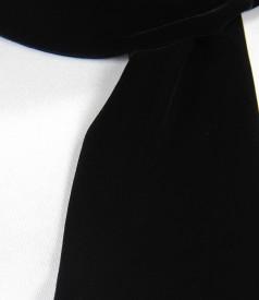 Elastic black velvet scarf