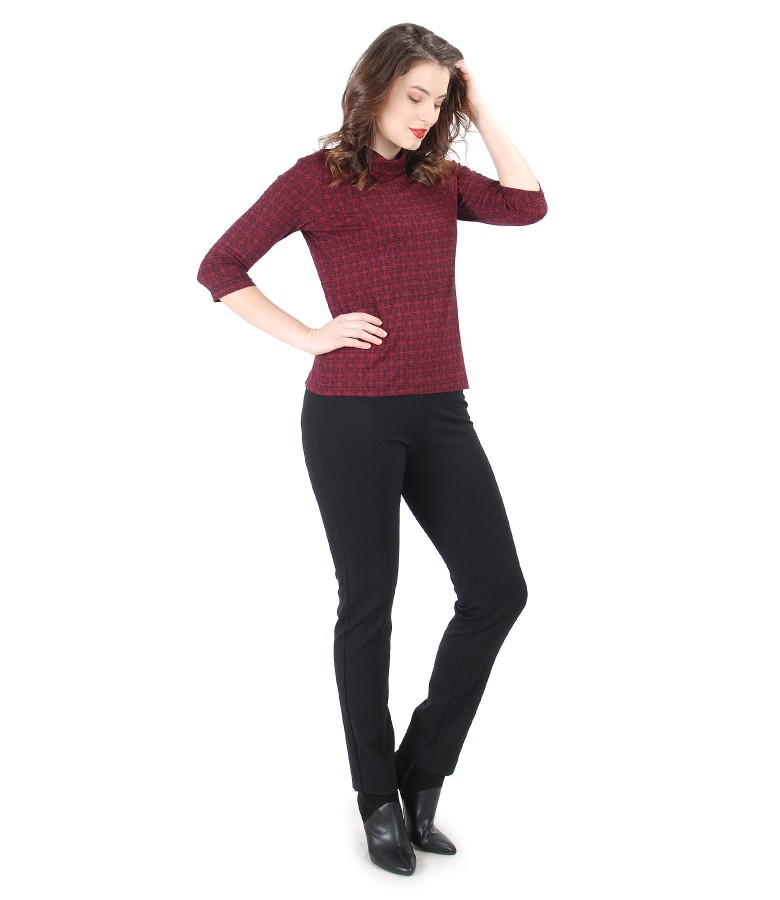 Elegant outfit with elastic jersey blouse and pants