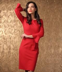 Elegant dress made of elastic jersey