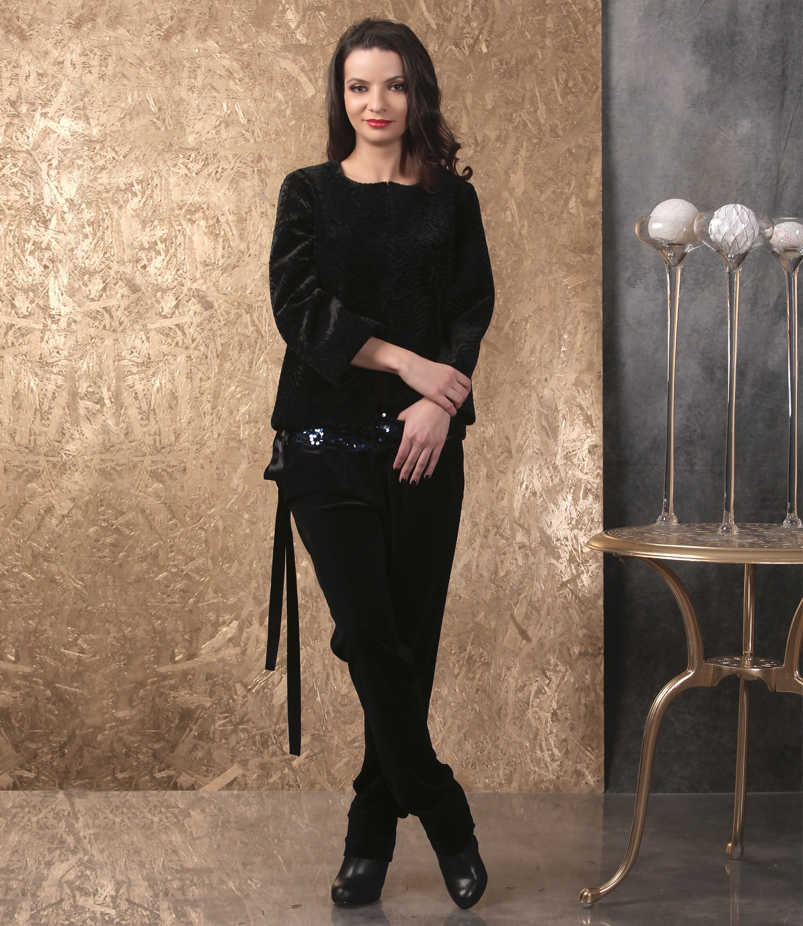 Elegant Outfit With Jacket And Black Velvet Pants - YOKKO