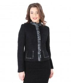Elegant jacket with fringe on the collar