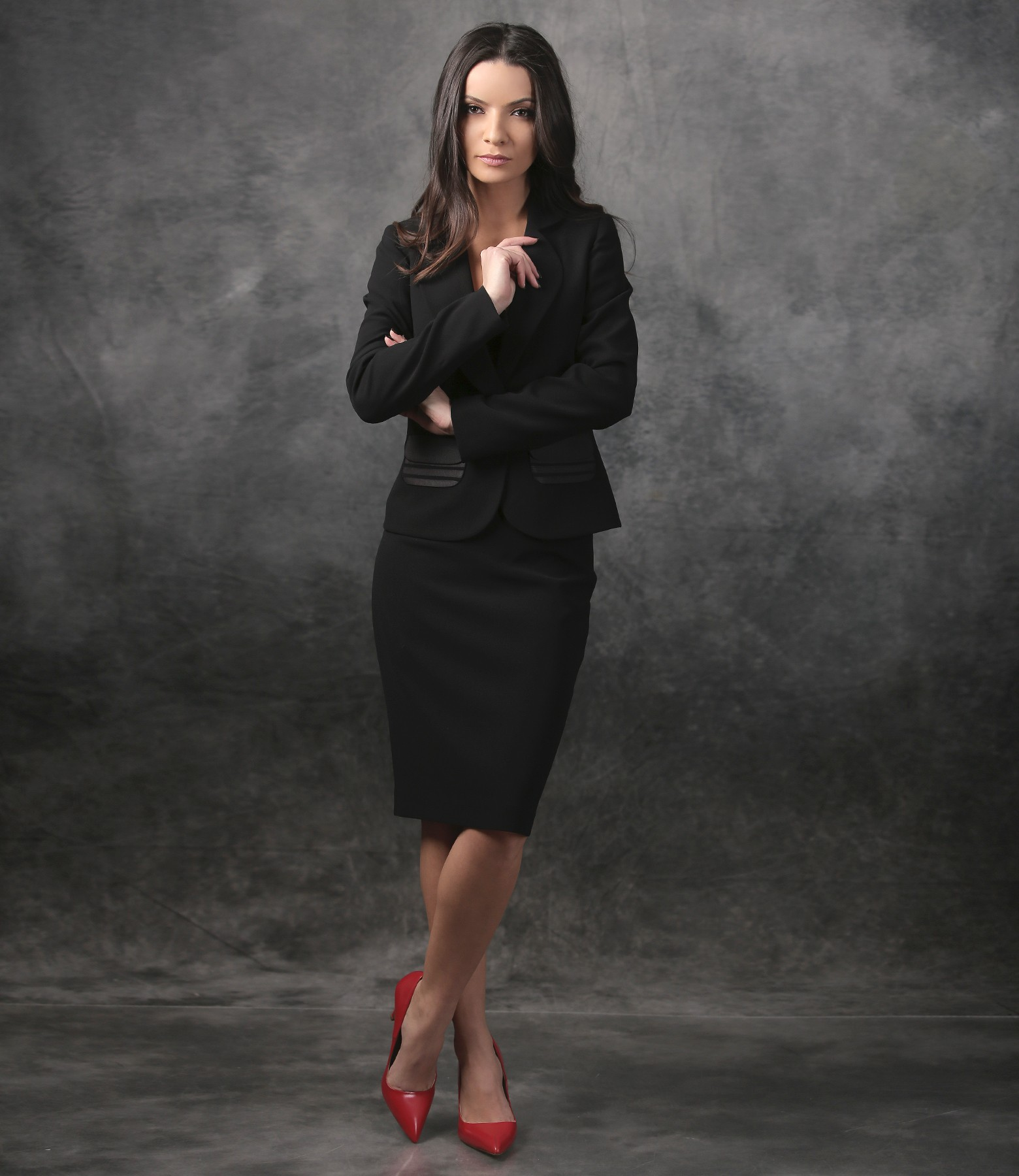 Women Office Suit With Jacket With Pockets And Conical Skirt Yokko