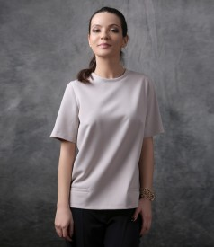 Elegant blouse with front pockets