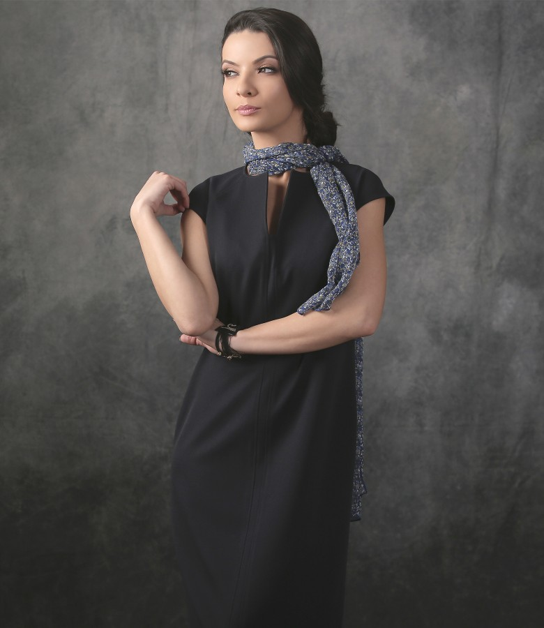 Elegant dress with floral printed veil scarf