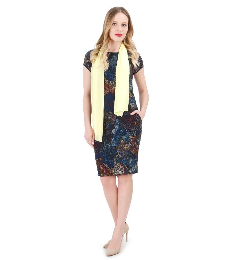 Textured viscose dress with uni veil scarf