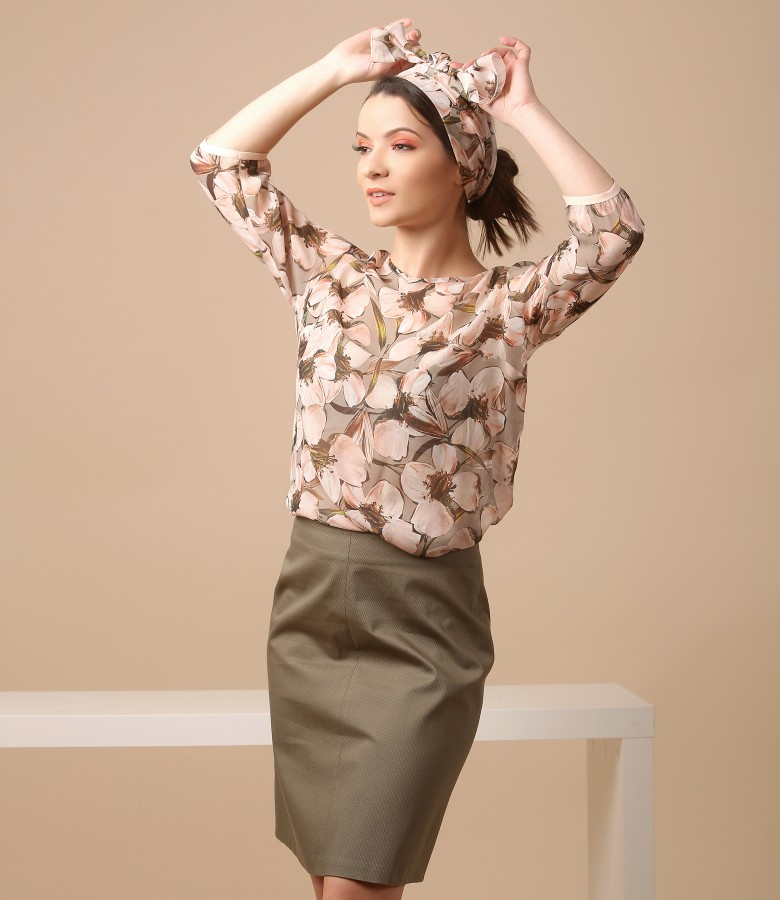 Viscose blouse with floral print and textured cotton skirt