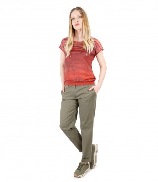 Casual outfit with textured cotton pants and blouse printed with stripes