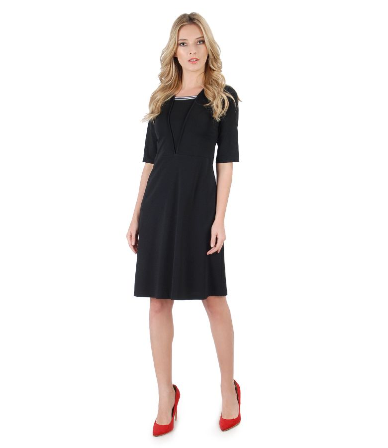 Flaring dress with multicolor elastic on decolletage