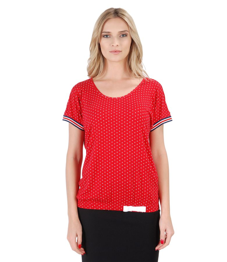 Elegant blouse made of dotted printed jersey