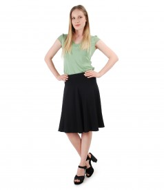 Elegant outfit with flaring skirt and uni jersey t-shirt