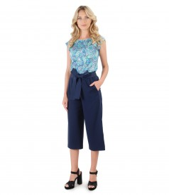 Pants with jersey t-shirt with floral print