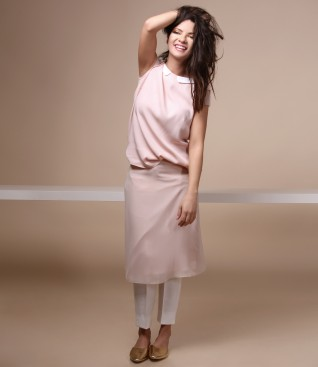 Casual outfit with veil skirt and ankle pants