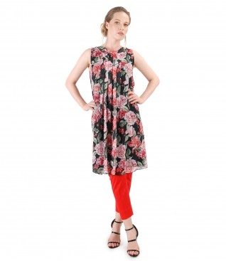 Veil dress with floral print and ankle pants