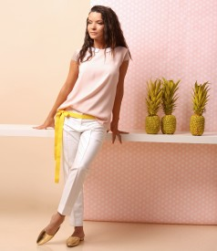 Elegant outfit with viscose blouse and ankle pants