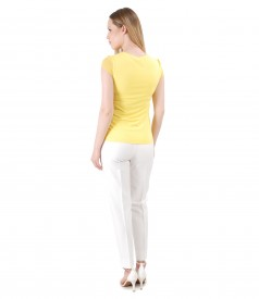 Elegant outfit with viscose pants and uni jersey t-shirt