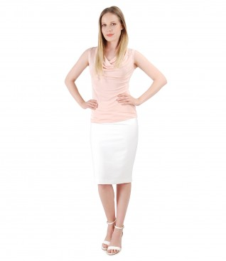 Elegant outfit with tapered viscose skirt and jersey blouse