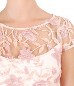 Elegant dress with floral lace
