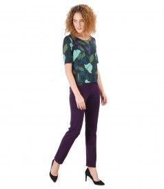 Casual outfit with ankle pants and elastic jersey blouse