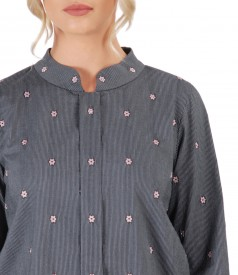 Elegant blouse with long sleeves embellished with crystals