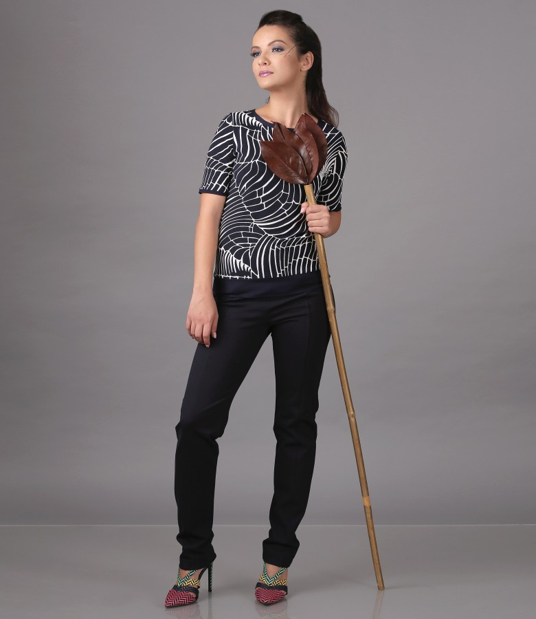Printed jersey blouse with ankle pants