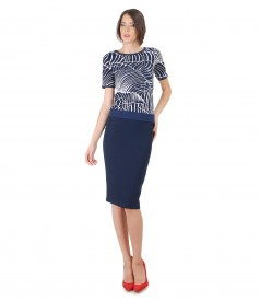 Tapered skirt and jersey blouse with print