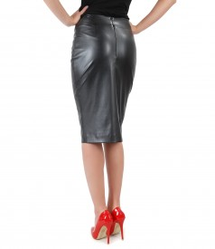 Elegant leather skirt with front zipper