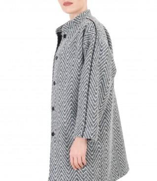 Elegant jacket with raglan sleeves