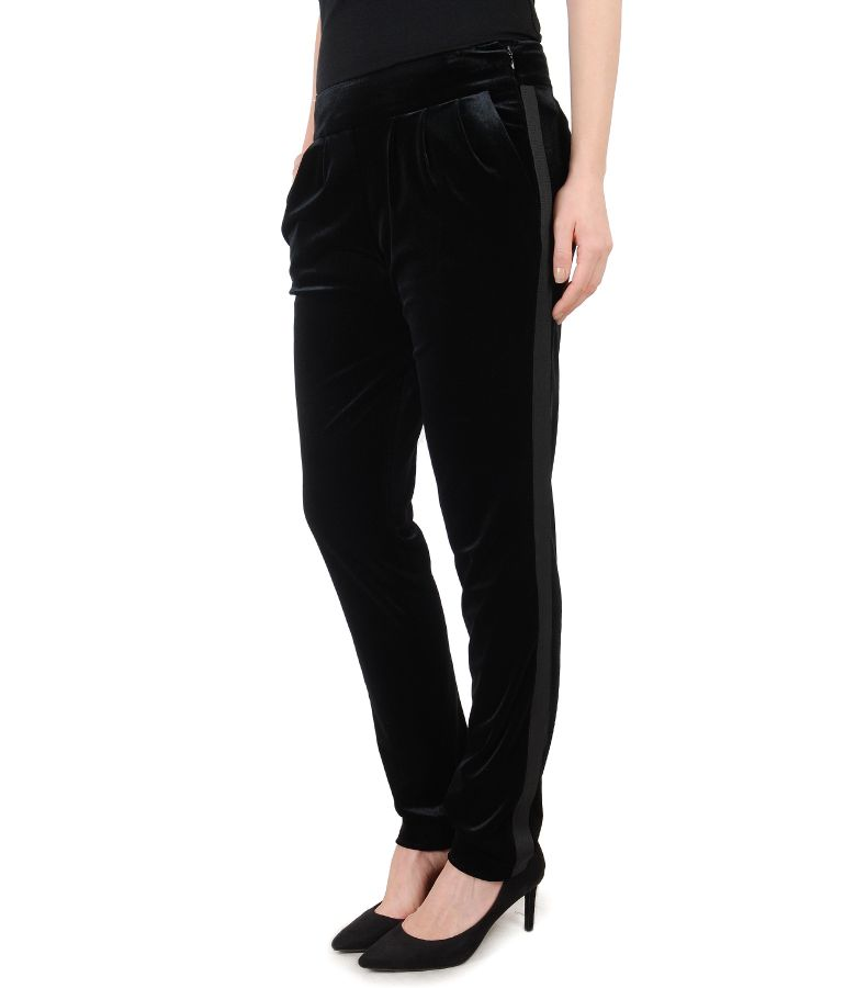 Elastic velvet pants with side pockets